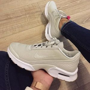 w nike air max jewell prm
